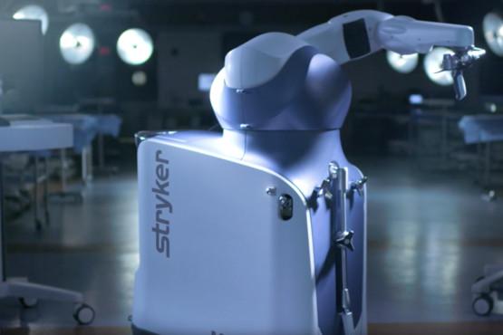 Intelligente robot gebruikt tijdens knie-operaties