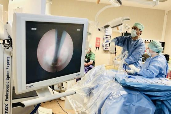 Pionierswerk met endoscopische rugchirurgie door Dr. Karel Willems