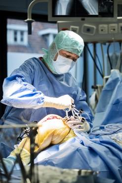 1000ste robot geassisteerde knieprothese geplaatst door Orthopedie Roeselare in AZ Delta