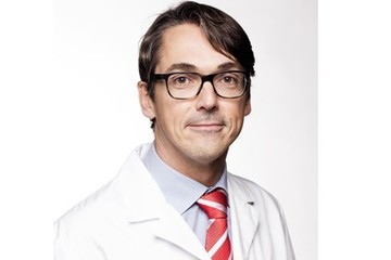 Dr. Stijn Muermans is chairman op Practical Course on Shoulder Surgery