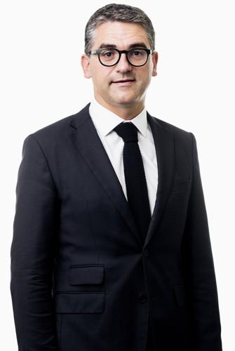 Dr. Arne Decramer - spécialiste main, coude, colonne vertébrale - Médecin d'Orthopédie Roulers - AZ Delta