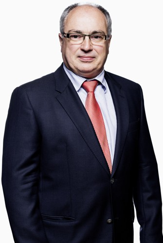 Dr. Yves Devlies - specialist schouder, heup, consult wervelzuil - Arts bij Orthopedie Roeselare - AZ Delta