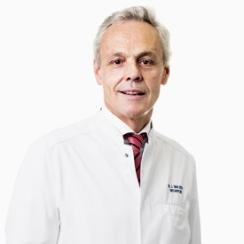 Dr. Jan Van Oost - specialization: foot, hip, spinal column consultant - MD at Orthopedie Roeselare - AZ Delta